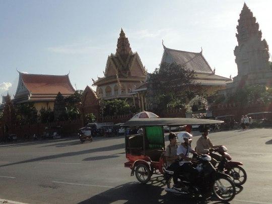 Auf der Höhe, wo sich der Mekong und der Tonlé Sap vereinen, steht der Wat Ounalom. (Foto: Sören Peters)