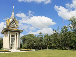 Wo heute der Gedenkstupa steht, wurden zwischen 1975 und 1978 rund 17.000 Menschen ermordet. (Foto: Sören Peters)