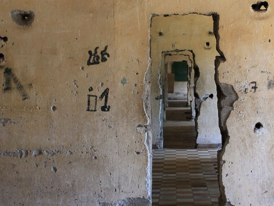 Gang durch den Zellentrakt im S21-Gefängnis. (Foto: Sören Peters)