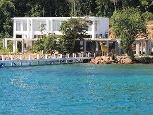 Für den Mann, der alles hat - ein goldener Hirsch auf der privaten Insel Koh Chrolosh. (Foto: Sören Peters)