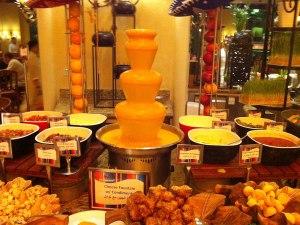 Keine Fatamorgana! Das ist wirklich ein Käsebrunnen. (Foto: Sören Peters)