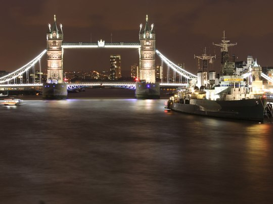 Symbolbild: Tower Bridge bei Nacht. (Foto: Sören Peters)