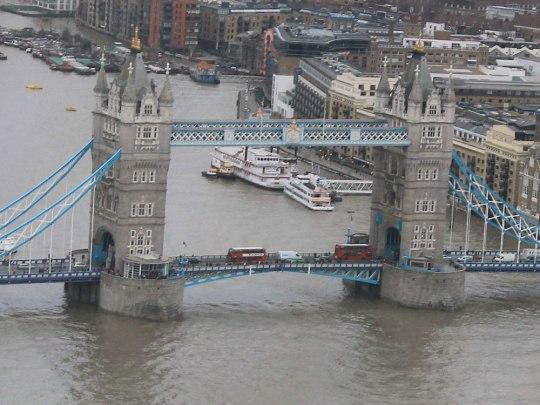 Die Tower Bridge, gesehen vom Skygarden im Walkie Talkie. (Foto: Sören Peters)