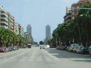 Blick entlang der Carrer Marina auf die Torres Mapfre. (Foto: Sören Peters)