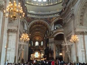 Innenansicht von St. Paul's Cathedral vor Beginn des Evensong. (Foto: Sören Peters)