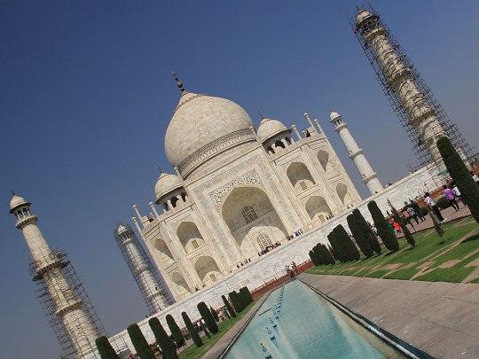 Das weltberühmte Taj Mahal - trotz der widrigen Umstände ist ein Besuch absolut lohnenswert. (Foto: Sören Peters)