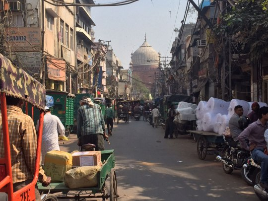 So praktisch die Metro auch ist - ein Gefühl für Delhi bekommt man erst, wenn man zu Fuß unterwegs ist. (Foto: Sören Peters)