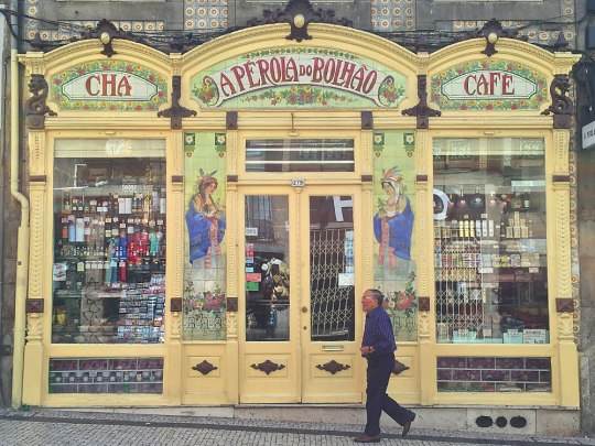 "Tee- und Kaffeeladen ""Aperola do Bolhão"" in Portos Innenstadt. (Foto: Sören Peters)"